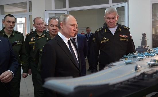 Владимир Путин посетил Черноморское военно-морское училище имени Нахимова