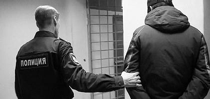 В Севастополе задержали мужчину, который пытался залезть в пиццерию