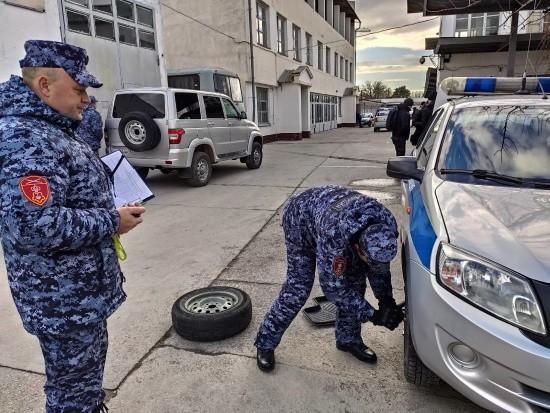 Бойцы групп задержания Росгвардии соревновались в Севастополе