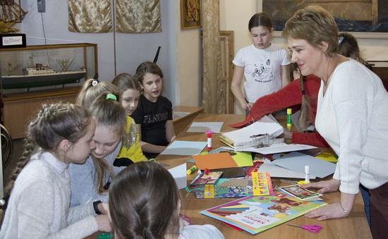 В Севастополе прошел мастер-класс по изготовлению открытки к 23 февраля