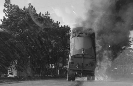 В Севастополе загорелась уборочная машина