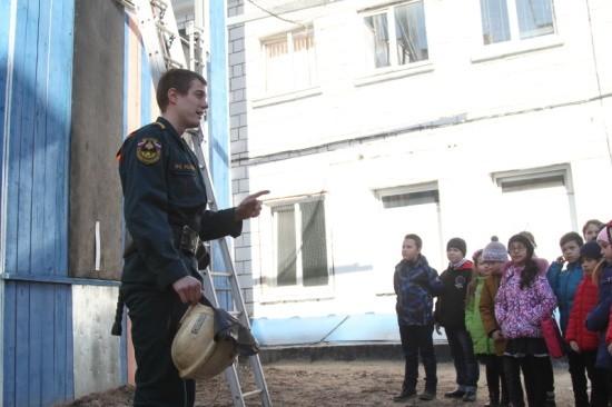 Севастопольские школьники побывали в гостях у пожарных