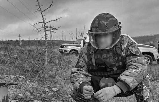 В Севастополе взрывотехники «Беркута» обследовали найденные боеприпасы