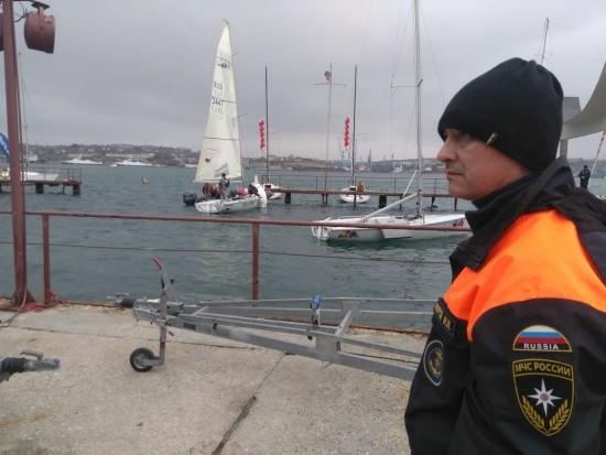 В Севастополе сотрудники ГИМС обеспечили безопасность проведения парусной регаты