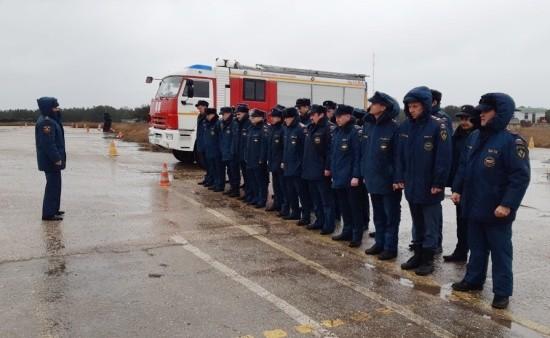 Севастопольские водители МЧС прошли курс по вождению в экстремальных условиях