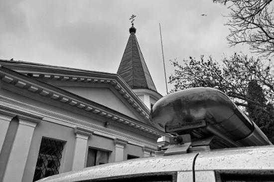 Севастопольские росгвардейцы задержали пьяного дебошира в храме