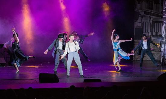 Сергей Безруков выступил со спектаклем в Севастополе