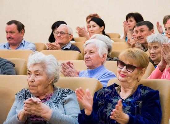 В Доме-интернате для инвалидов и престарелых встретили Масленицу