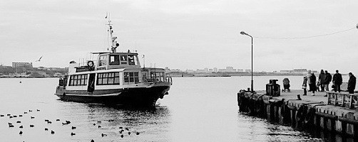 Движение катеров и паромов в Севастополе приостановлено
