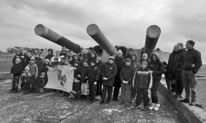 Юные рукопашники посетили 30-ю береговую батарею