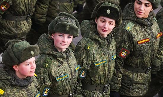 На Параде Победы в Севастополе в пешей колонне пройдут военнослужащие-женщины