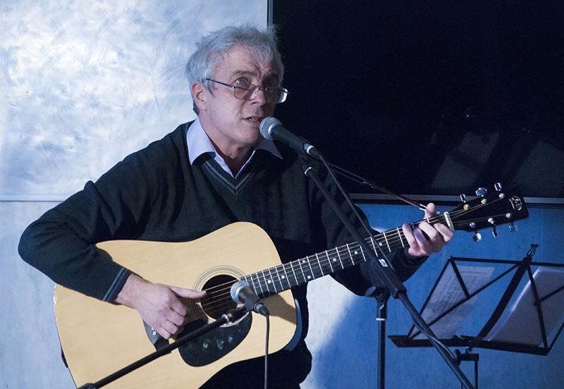 В Севастополе прошел творческий вечер автора и исполнителя Владимира Губанова