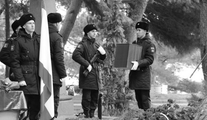 В Крыму перезахоронили останки героя обороны Севастополя