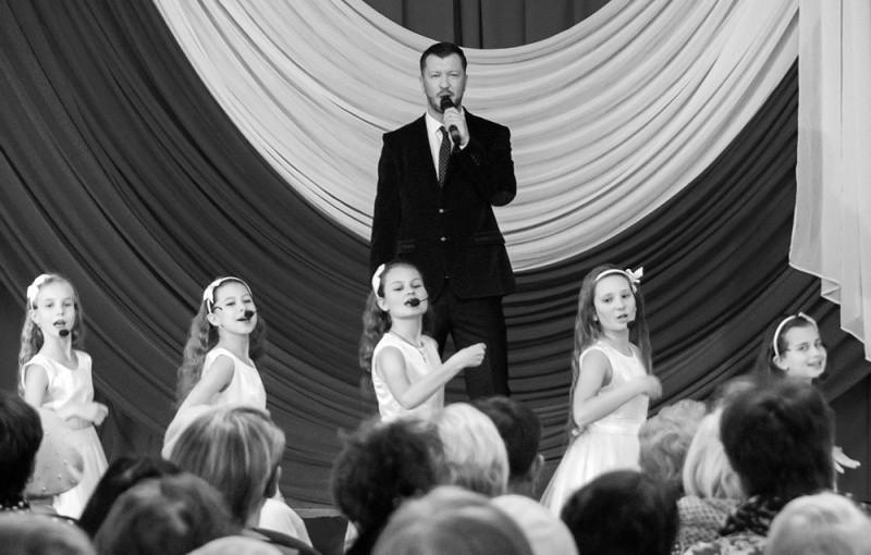В честь праздника в Севастополе прошел концерт «Навеки с Россией»