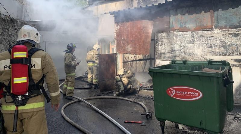 В Севастополе ликвидирован пожар вблизи городского Правительства
