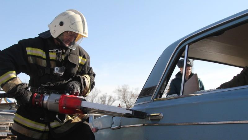 В Севастополе МЧС провело соревнования по ликвидации последствий ДТП