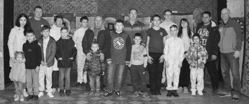 Для юных рукопашников Севастополя прошел мастер-класс по спортивному метанию ножей