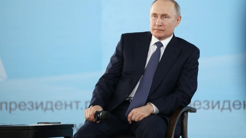 Владимир Путин встретился с представителями общественности Крыма и Севастополя