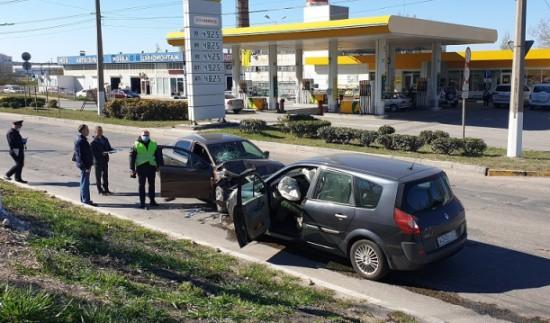 В Севастополе в ДТП погиб водитель автомобиля