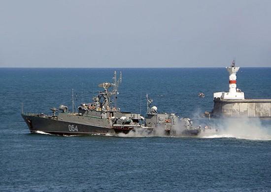 МПК «Муромец» провёл артиллерийские стрельбы в Чёрном море