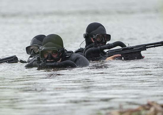 Личный состав отряда ПДСС Черноморского флота выполнил подводные стрельбы