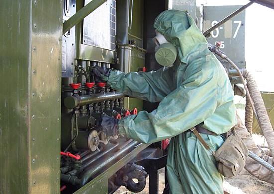 Подразделения РХБЗ проводят дезинфекцию предприятий ВПК в Крыму