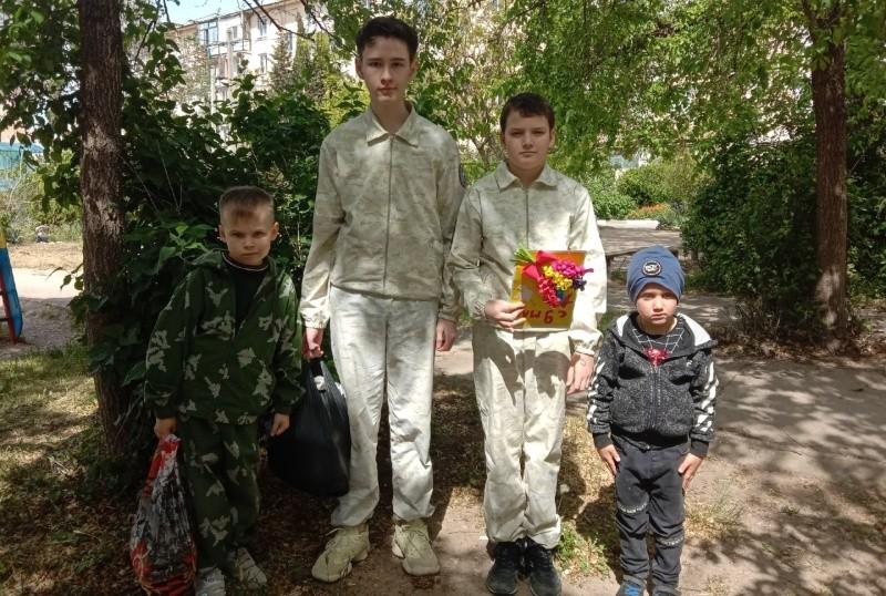 В Севастополе юные спортсмены поздравили ветеранов с Днем Победы