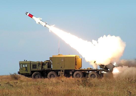 Расчёт комплекса «Бал» выполнил стрельбу по морской цели в Крыму