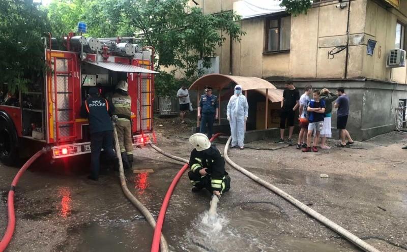 Севастопольские спасатели участвуют в ликвидации последствий сильного ливня