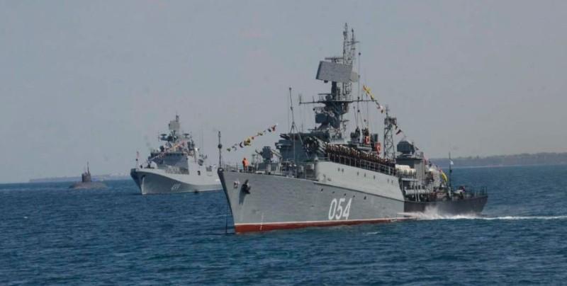 37 кораблей, катеров и судов Черноморского флота вышли в море для проведения учений