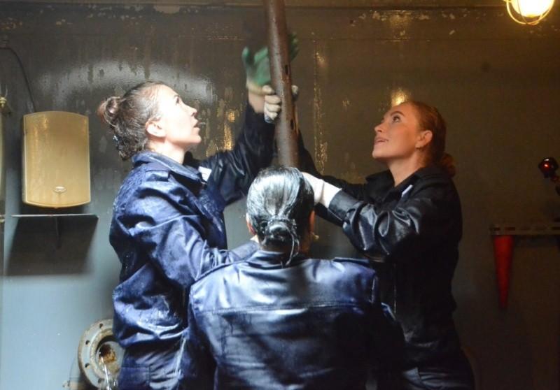 На ЧФ обучают экспериментальные женские экипажи патрульного катера