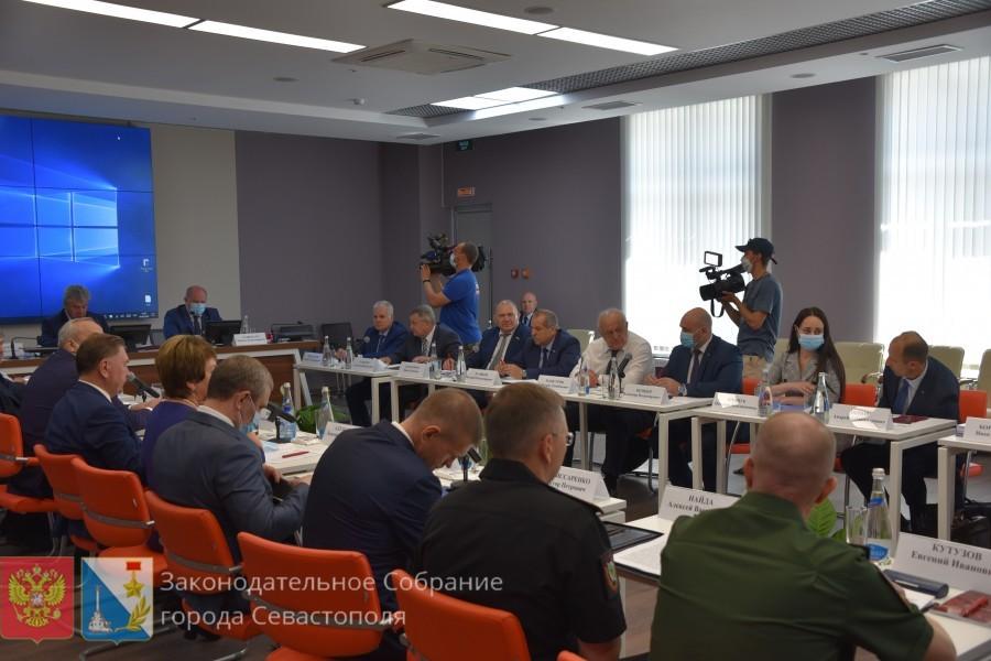 Комитет Совета Федерации по обороне и безопасности провел заседание в Севастополе