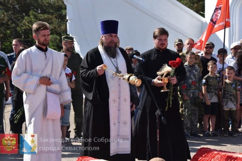 В Севастополе прошла церемония перезахоронения 353 советских воинов