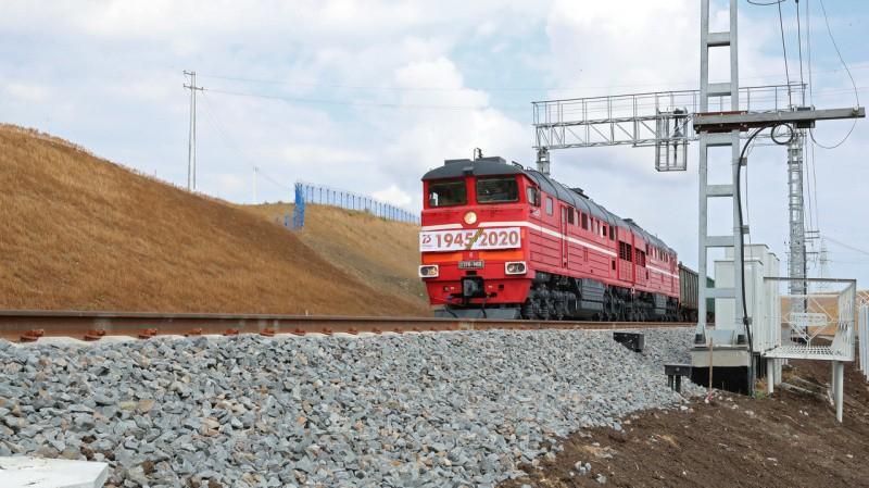 По Крымскому мосту запустили грузовое железнодорожное сообщение