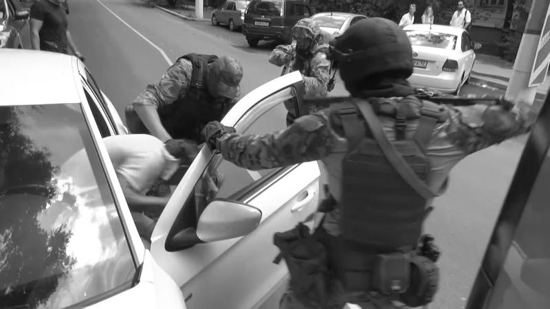В Севастополе задержаны подозреваемые в незаконном обороте контрафактного алкоголя
