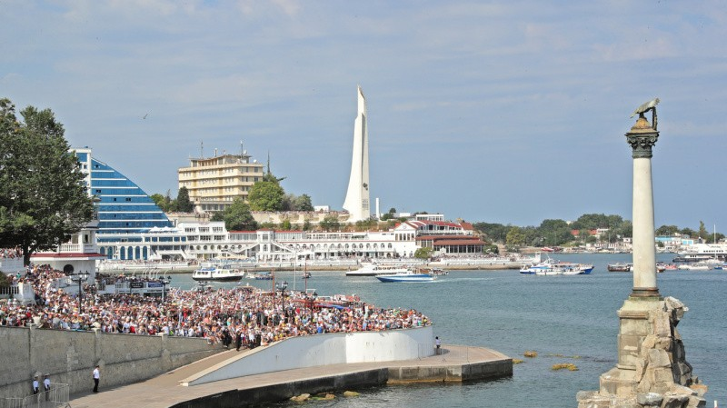 Глава Крыма посетил праздничные мероприятия в Севастополе