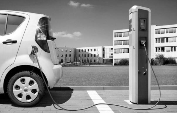 Севастопольцев освободят от уплаты налога на электромобили до 2023 года