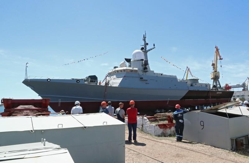 Керченский судостроительный завод спустил на воду малый ракетный корабль