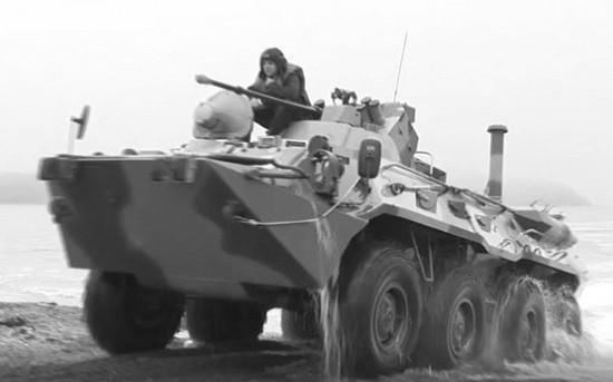 Морские пехотинцы ЧФ проводят тренировки по выходу боевой техники на плав