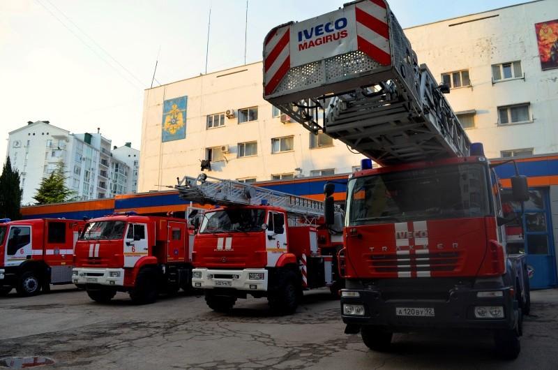 Пожар по улице Молочной в Севастополе угрожал жилым строениям