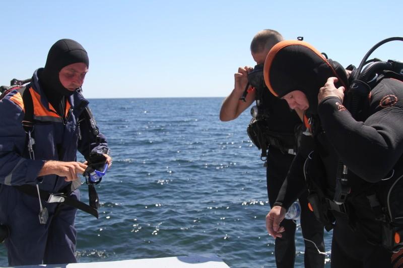 Севастопольские водолазы МЧС провели работы у побережья Ялты