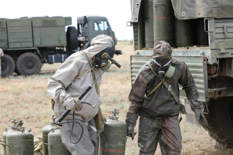 Подразделения РХБЗ провели учение в Крыму