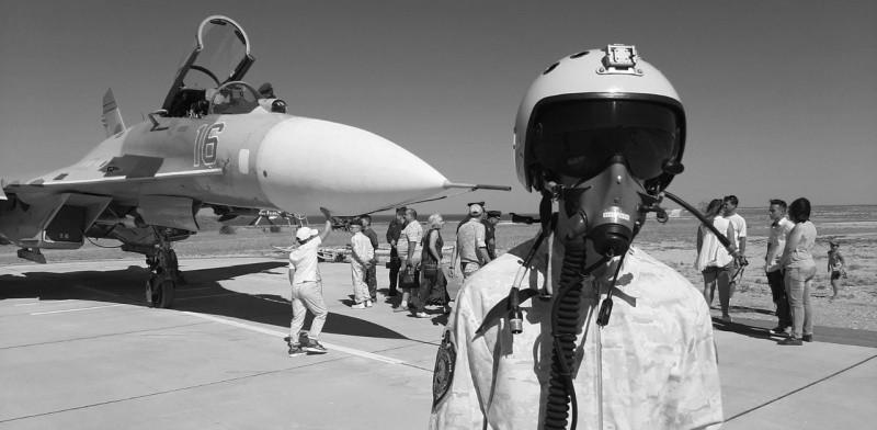 Юные рукопашники Севастополя познакомились с боевой авиацией