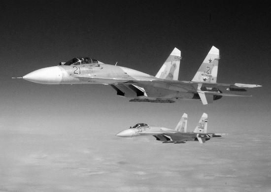 В Крыму молодые лётчики выполнили первые полёты в роли командиров