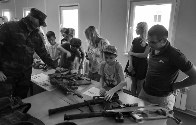 Юные рукопашники Севастополя побывали в гостях у СОБРа