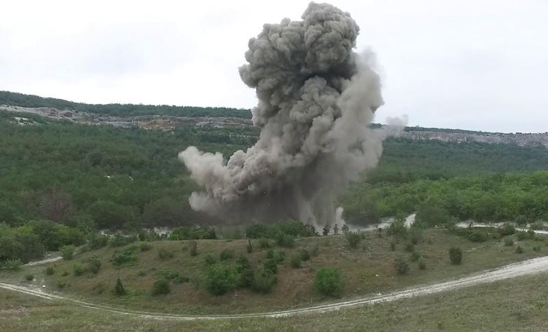 В Севастополе уничтожили две авиабомбы