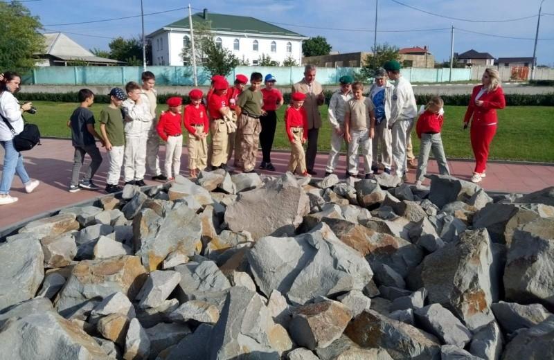 Юные рукопашники Севастополя продолжают изучать историю времен ВОВ
