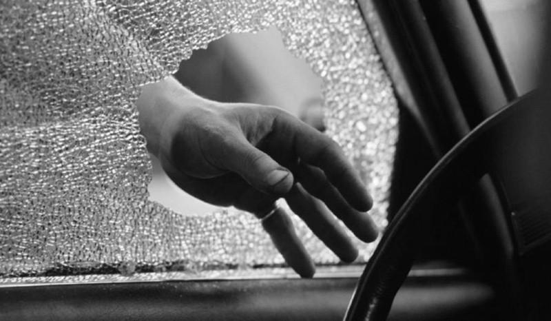 В Севастополе задержали подозреваемого в краже из автомобиля
