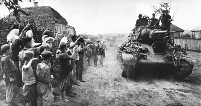 Глава Крыма поздравил украинцев с Днем освобождения от немецко-фашистских захватчиков