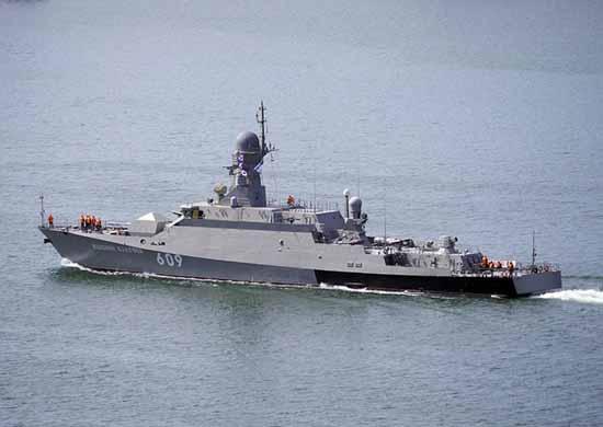 Экипаж МРК «Вышний Волочек» отработал ведение морского боя